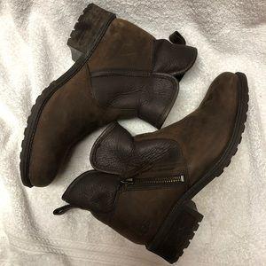 UGG brown zipper boots